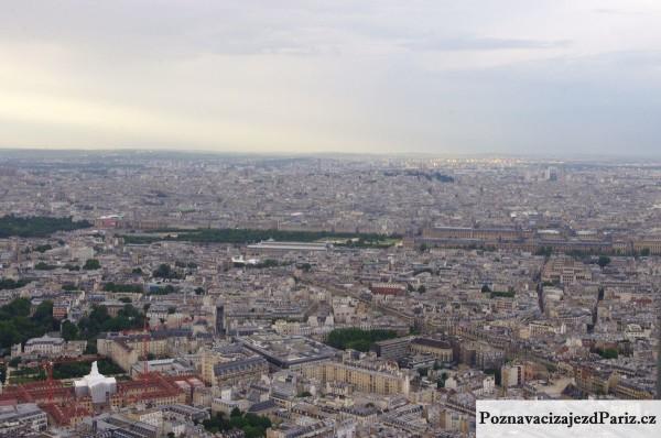 Pohled na Louvre z Tour Montparnasse